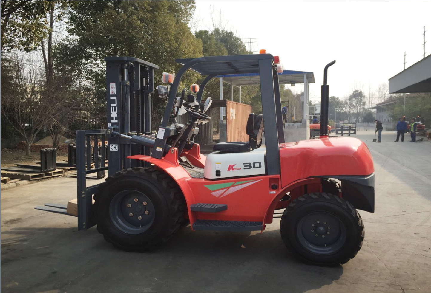 Heli Rought Terrain Forklift in Dubai